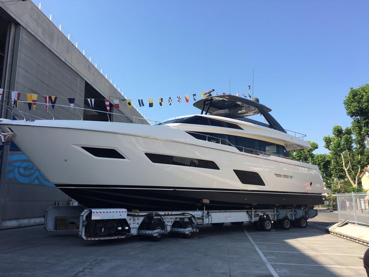 Ferretti Yachts 780 debuta este verano 2017