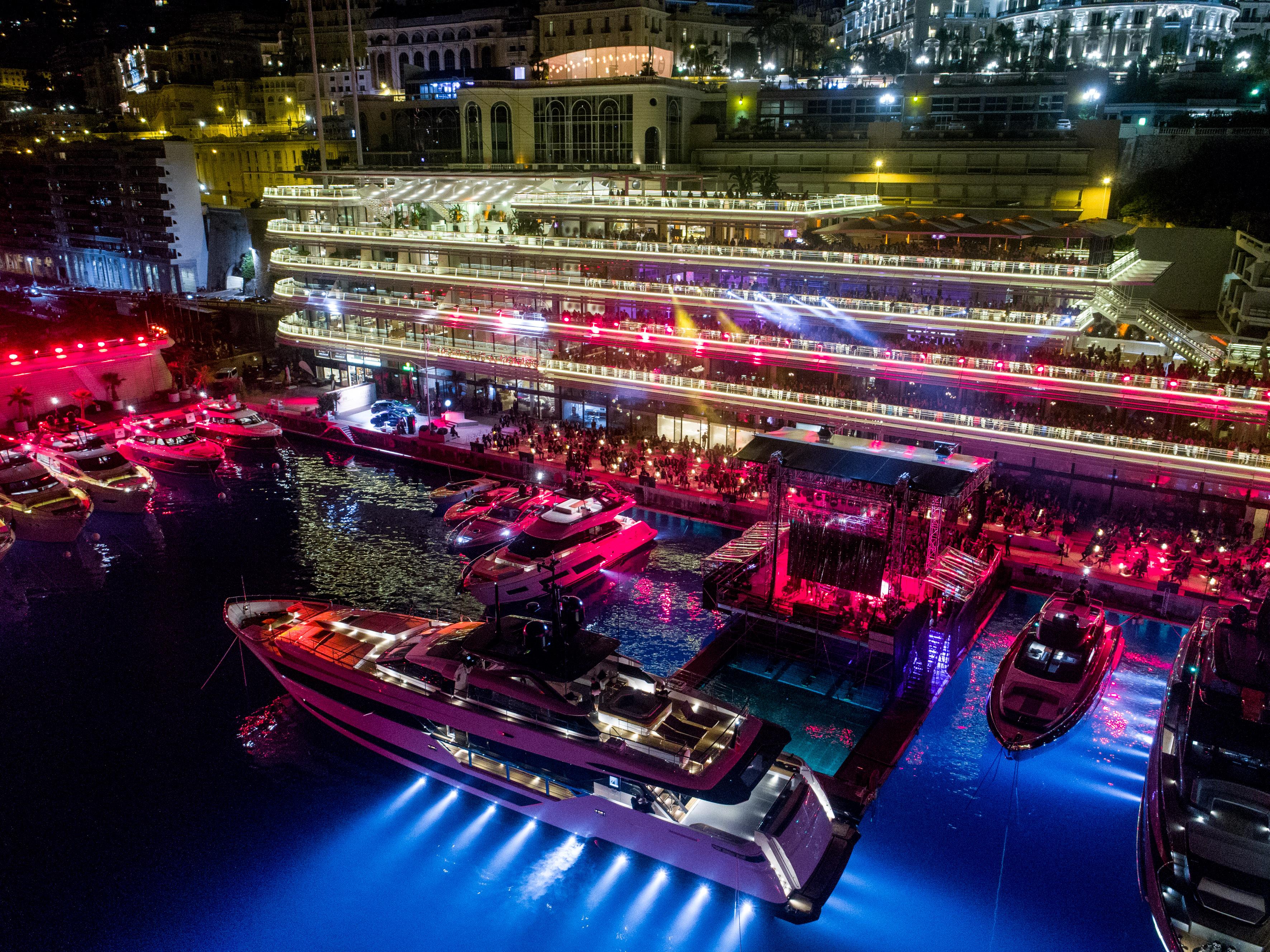 Sting, el protagonista del Show de Ferretti Group y del Yacht Club de Mónaco