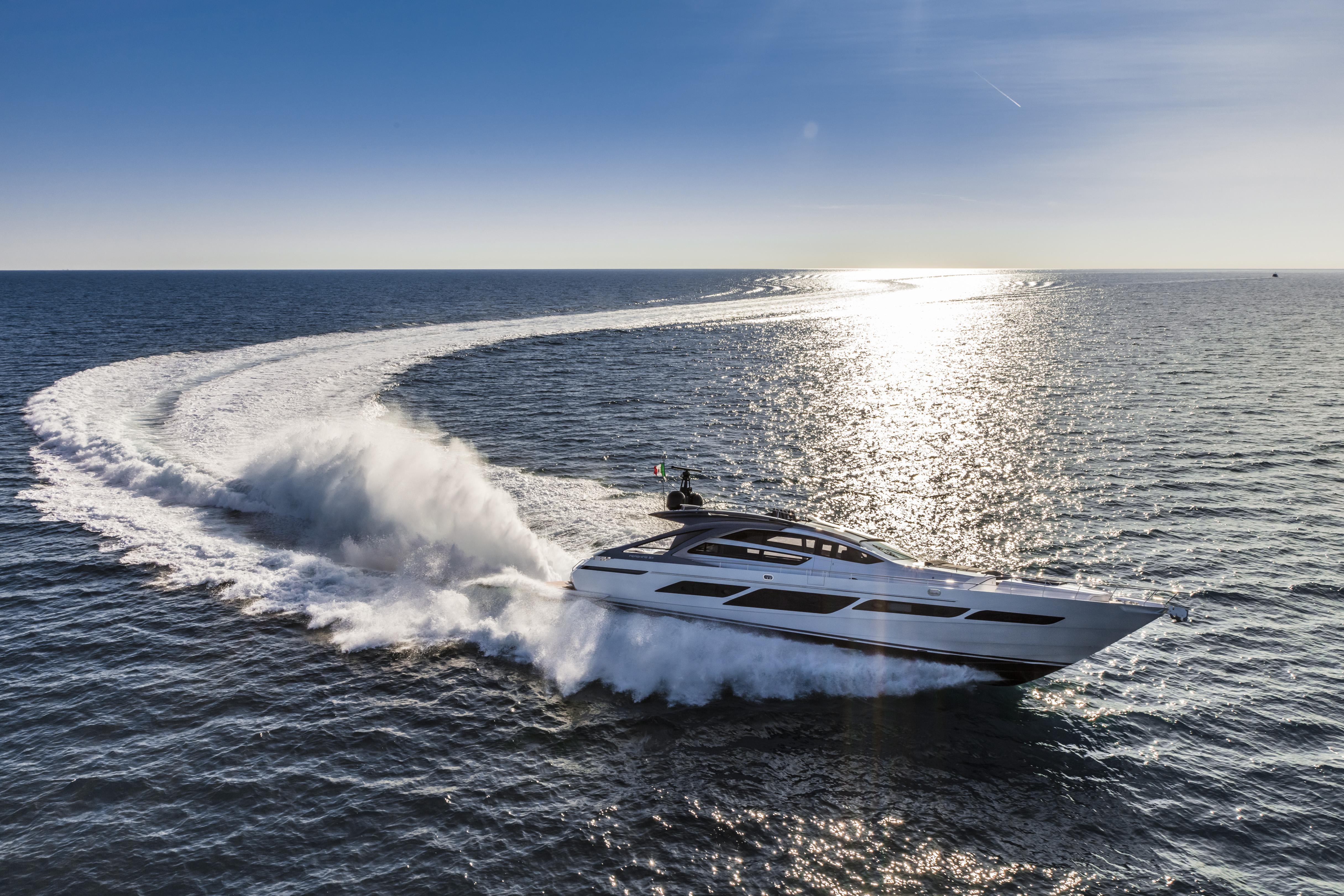 Pershing 9X debutará en el Fort Lauderdale International Boat Show