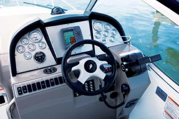 Cruisers Yachts 310 Express, responde a tu imaginación