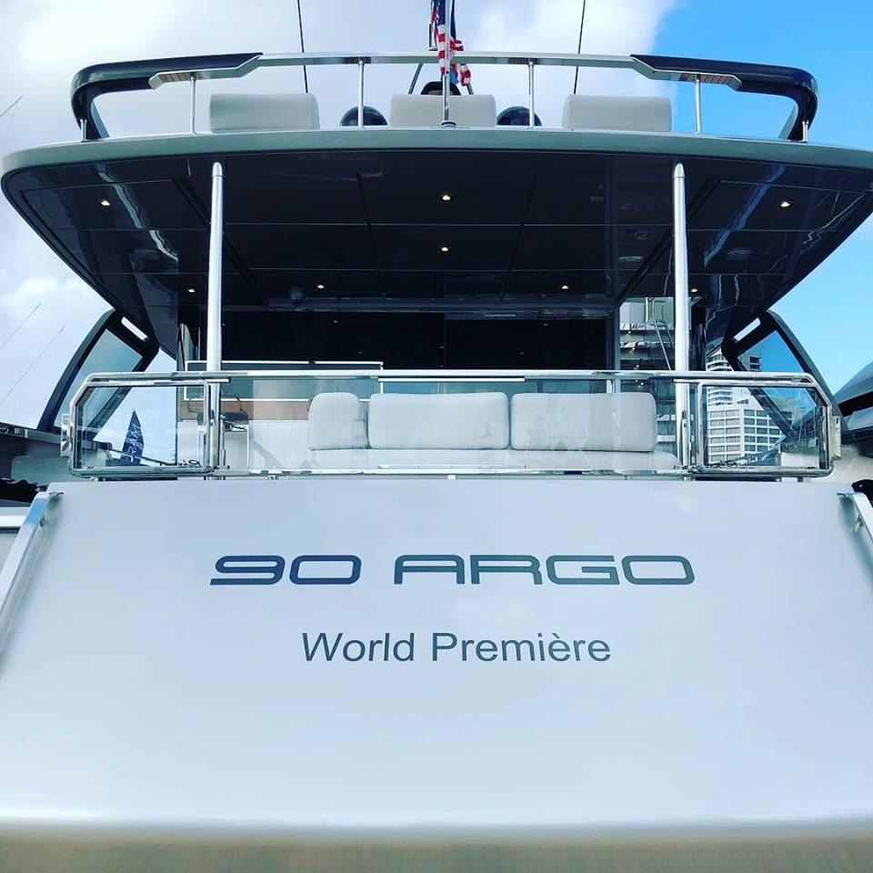 Riva 90 Argo, una nueva leyenda de innovación y belleza