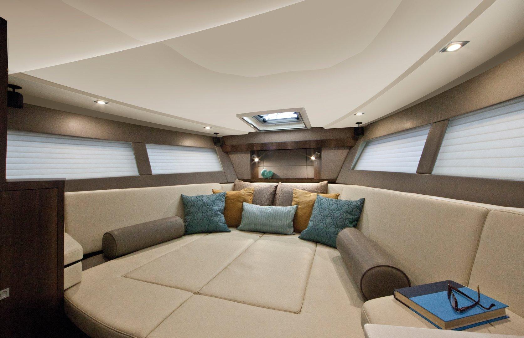 360 SC de Monterey Boats, elegante, carismático y sofisticado