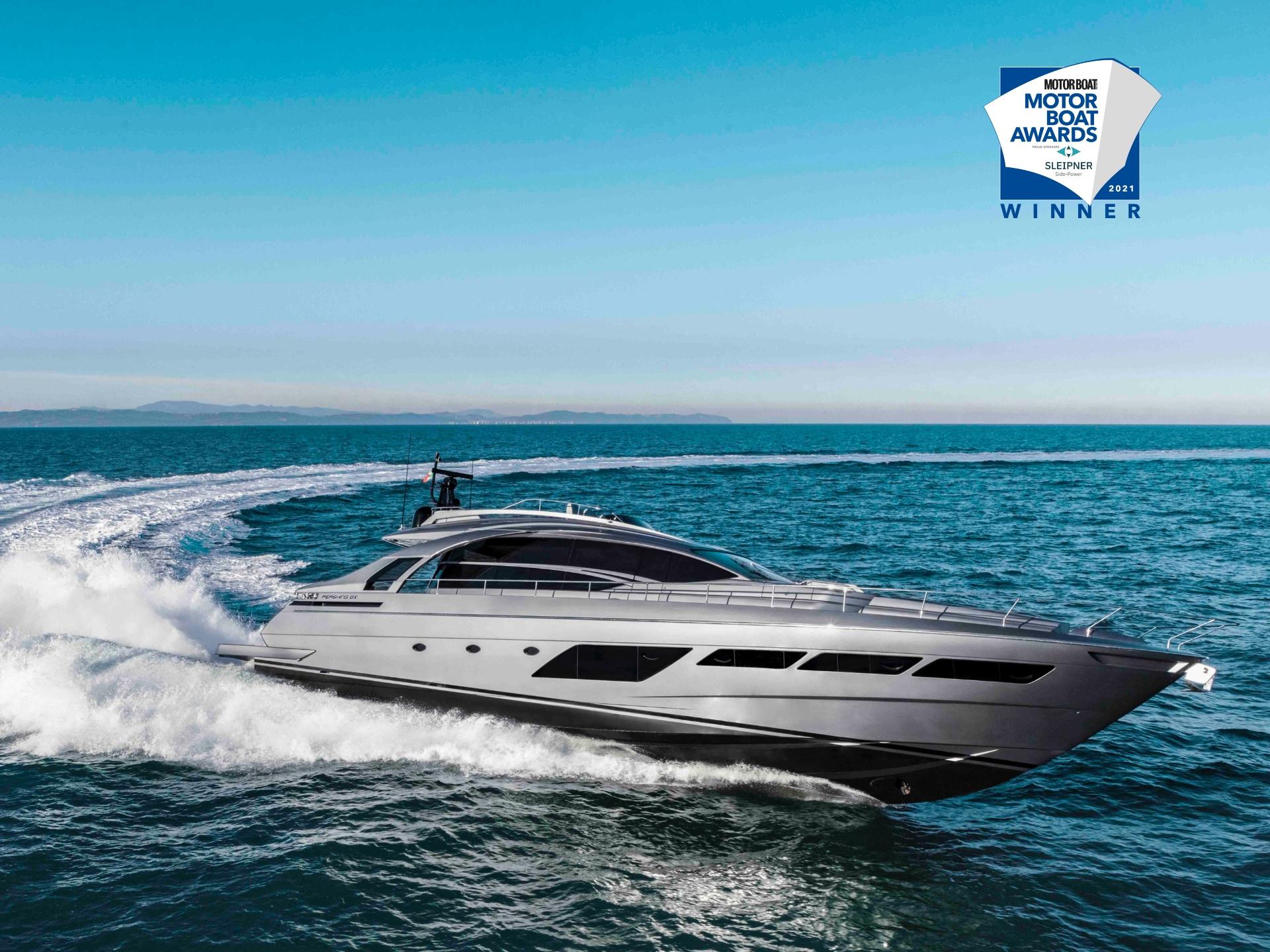 Pershing gana la categoría de yates personalizados de los premios Motor Boat Awards 2021